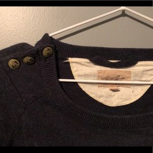 Wilfred Free from Aritzia sweater - xs